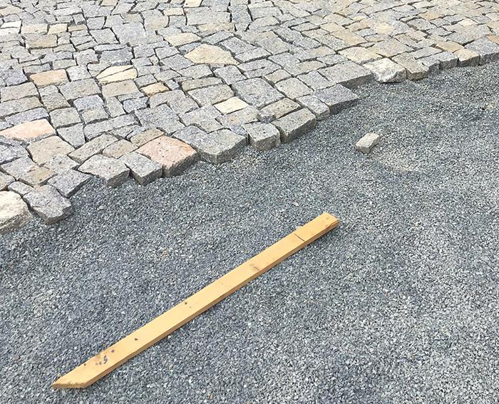 Pokládka kamenné dlažby